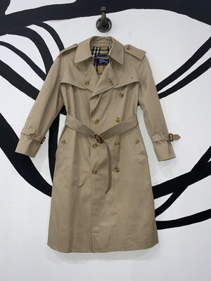 Burberry Trench Size M