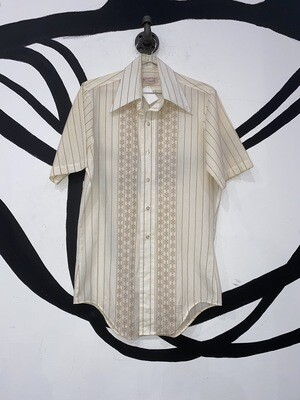 Getaway Button Up Size S