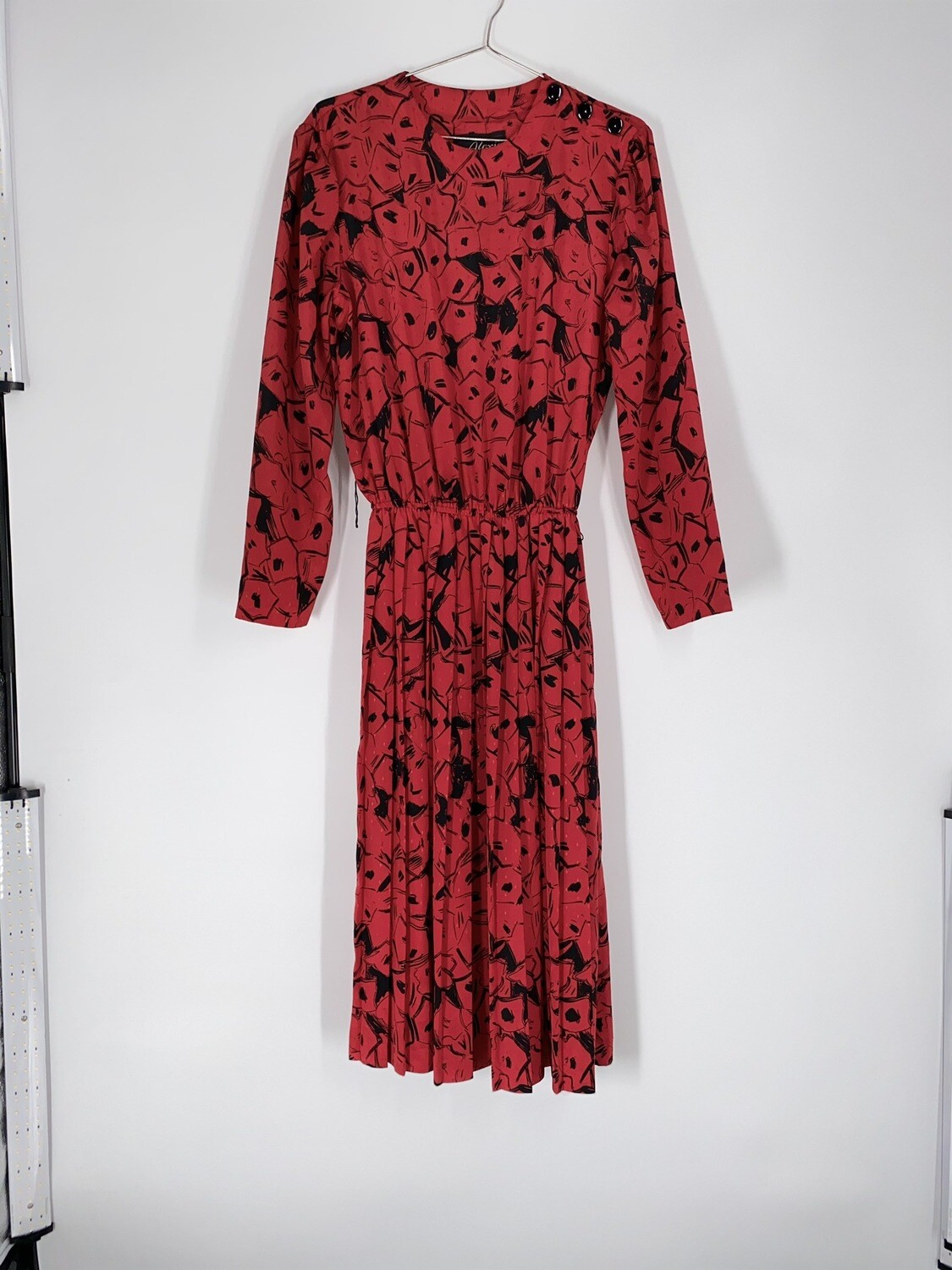 Patterned Pleated Red Dress Size L
