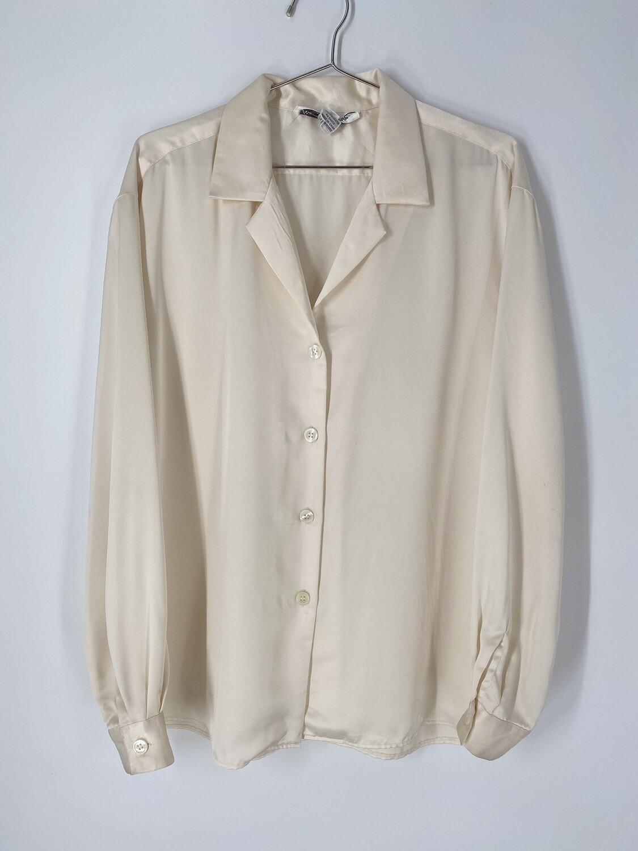 Gloria Vanderbilt Cream Button Up Size M