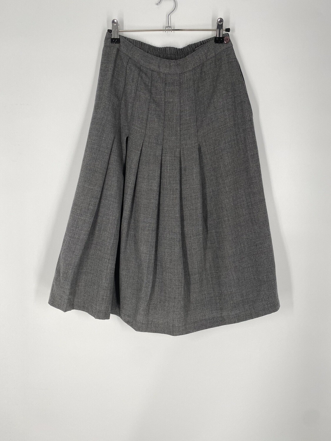 Alfred Dunner Grey Skirt Size M