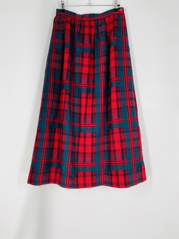 Lady Halvin Plaid Skirt Size M