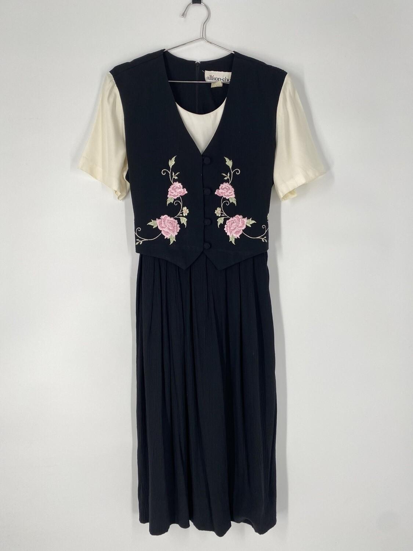 Allison-Che 80's Embroidered Dress Size L