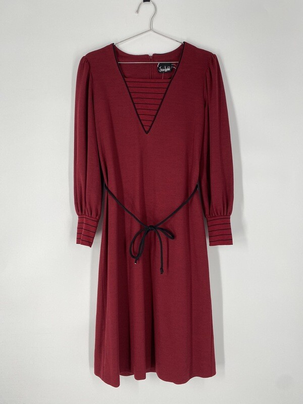 Jean Leslie Long Sleeve Dress With Tie Size M