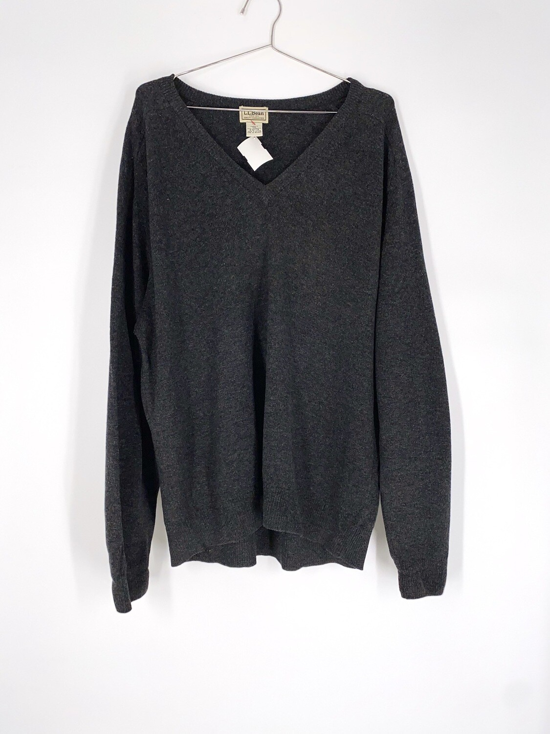 Wool V-Neck Sweater Size L