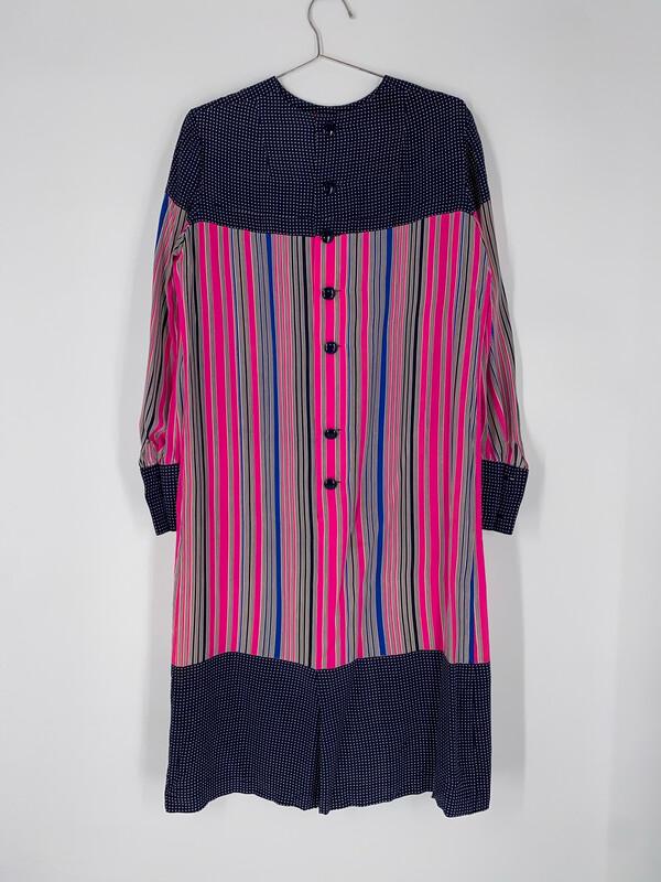 Hauliuetrigere Dress Size Medium