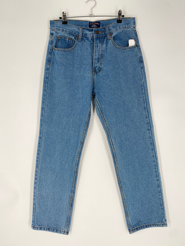 Cross & Winsor Relaxed Fit Jean Size 32