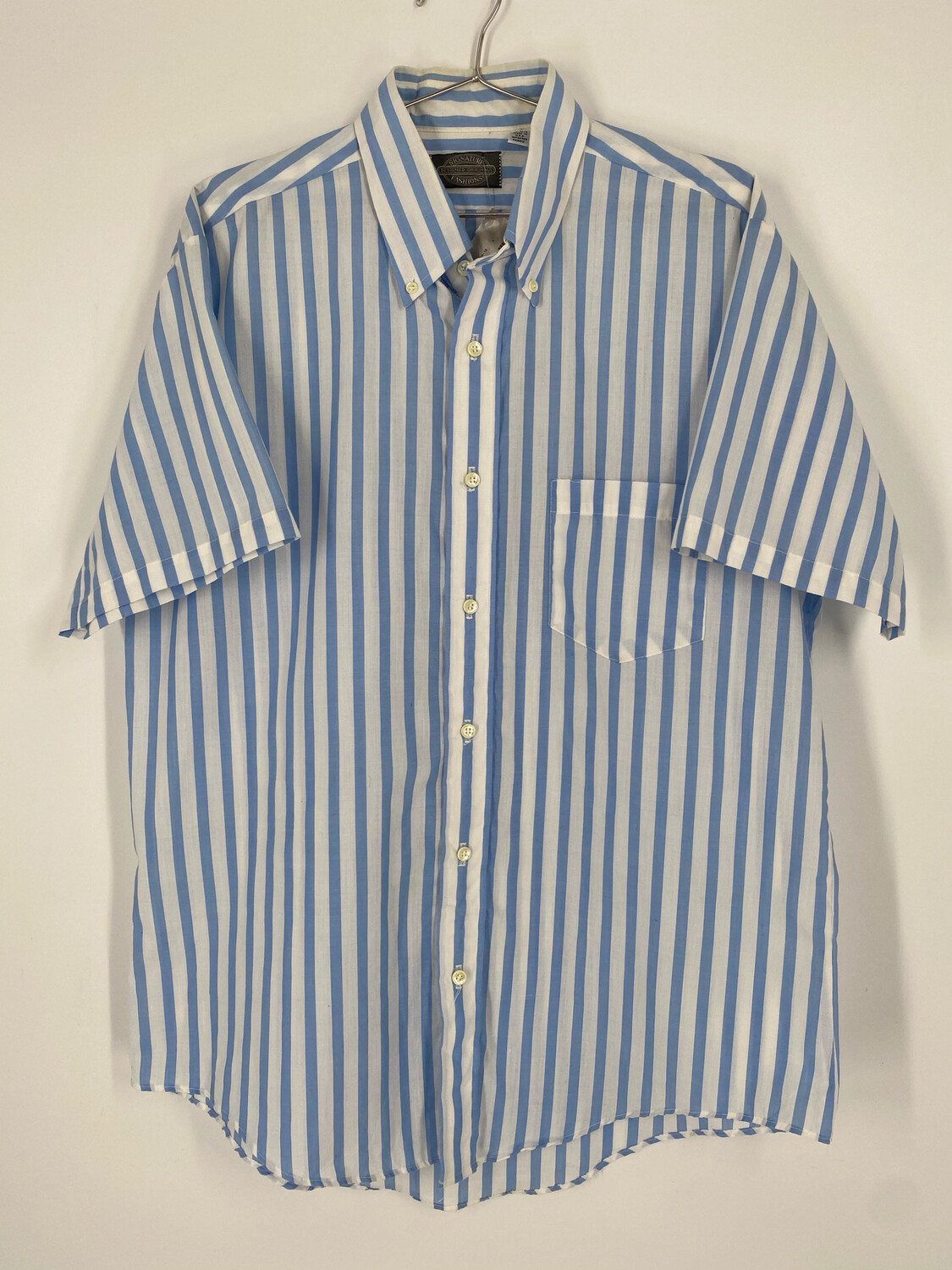 Signature Fashions Blue And White Pinstripe Short Sleeve Button Down Size L