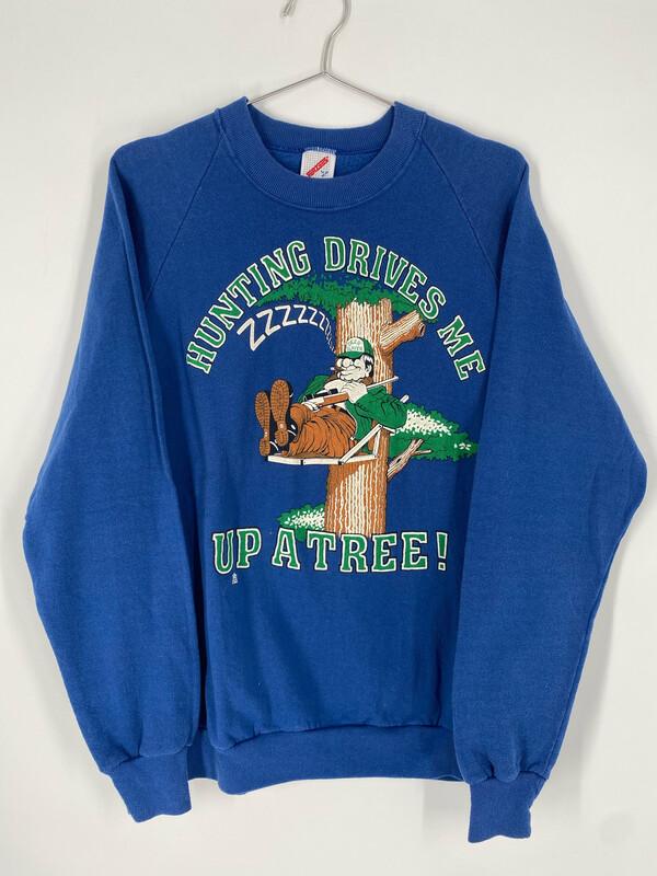 Hunting Drives Me Up A Tree! Vintage Crewneck Sweatshirt Size L