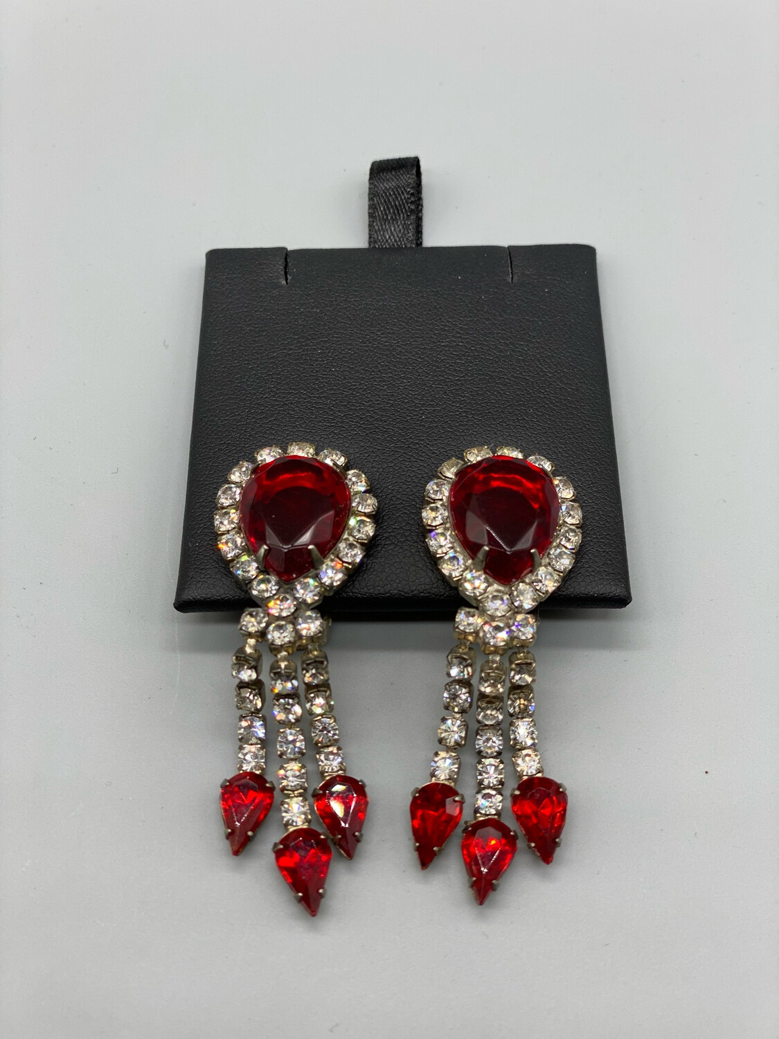 Vintage Clip-On Red And White Earrings