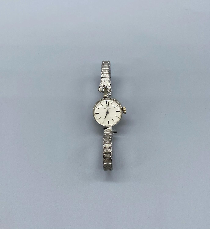 Vintage Silver Minimal Watch