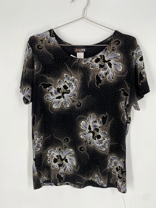 ES-SE Plus Floral Short Sleeve Top Size M