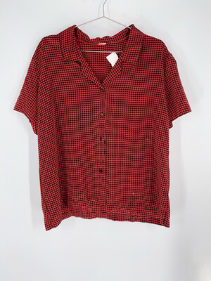 Houndstooth Print Button Up Top Size L