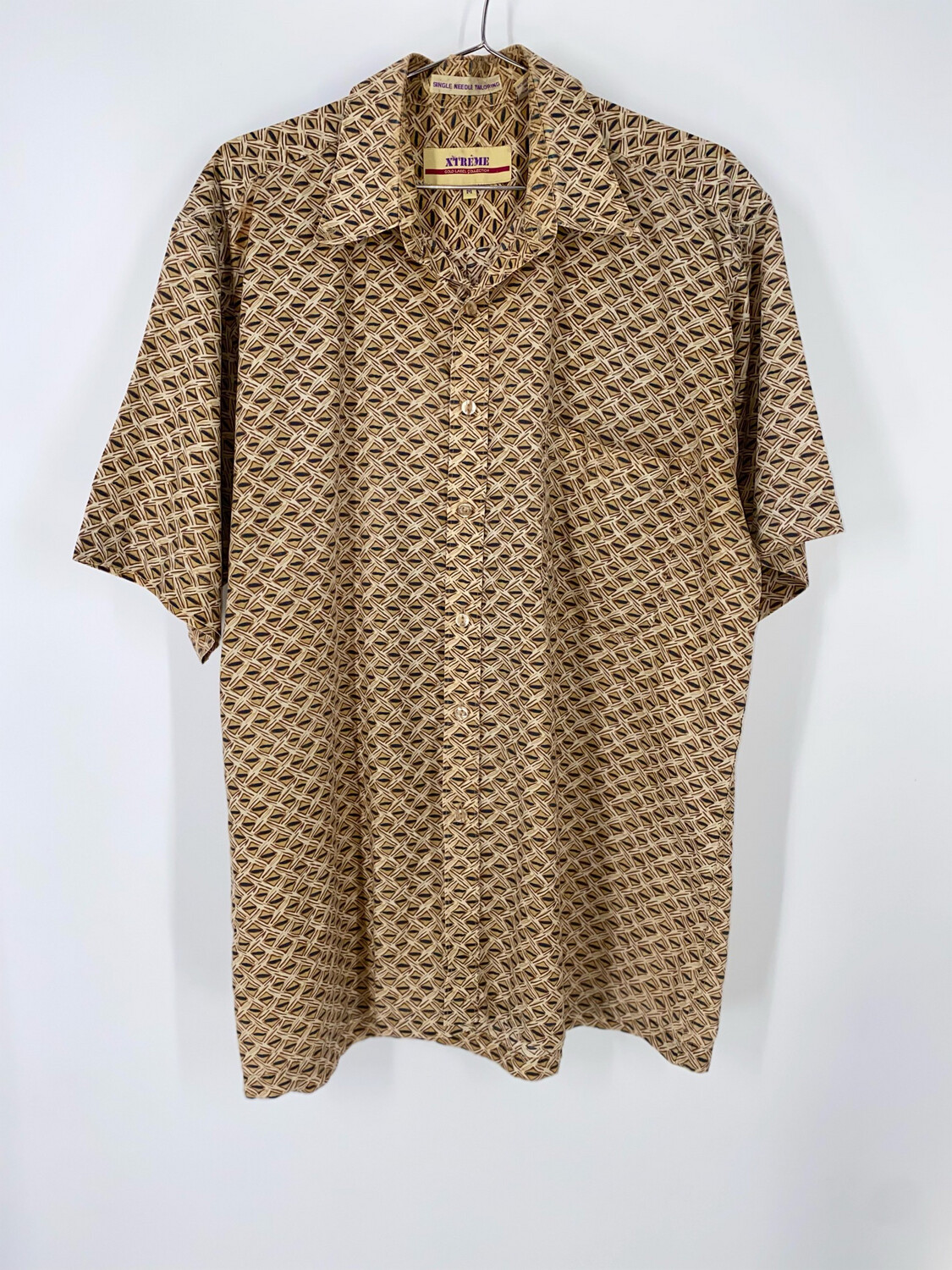 Xtreme Patterned Button Up Size M