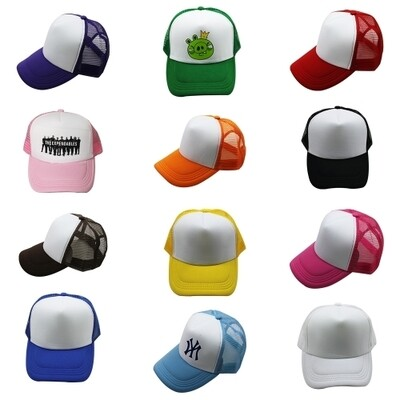 Casquettes colorées à filet