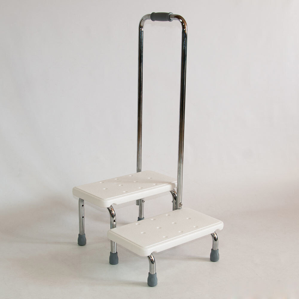 Лесенка для ванной комнаты с поручнем KJT569
