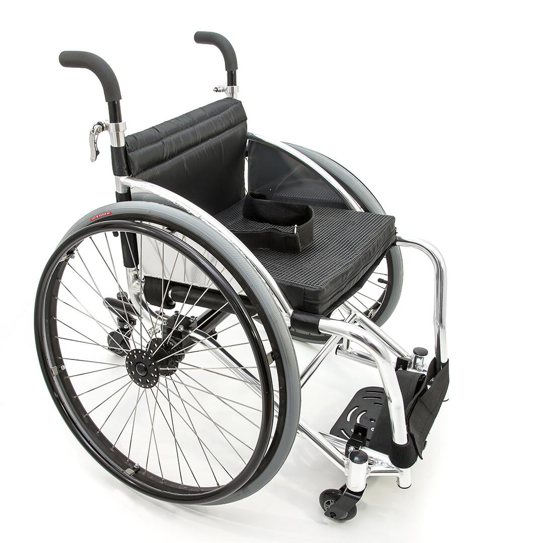 Кресло-коляска для настольного тенниса FS756L