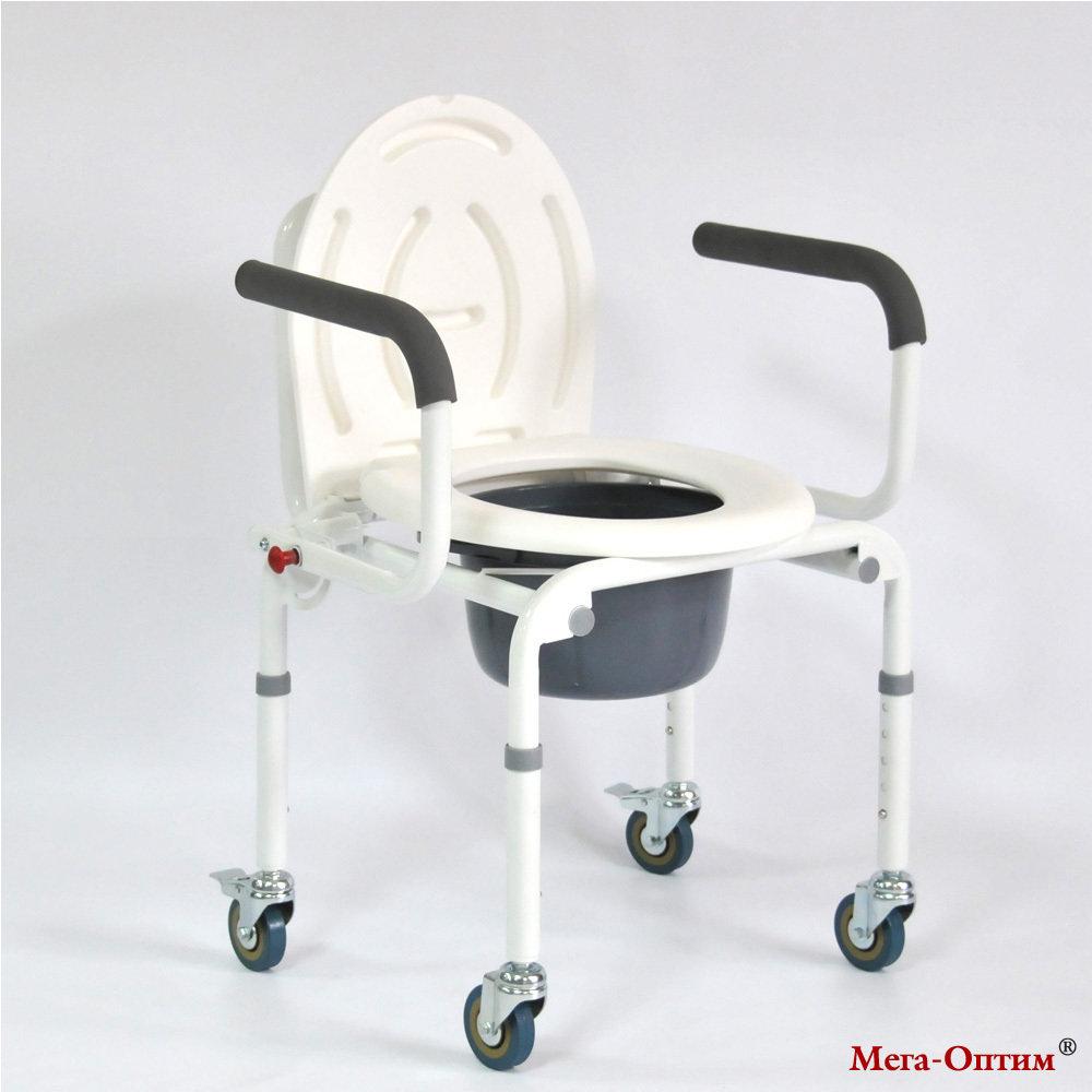 Стул-кресло с санитарным оснащением FS 813 (на 4-х колесах)