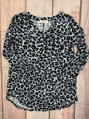 Zenana V-Neck Leopard Print Long Sleeve