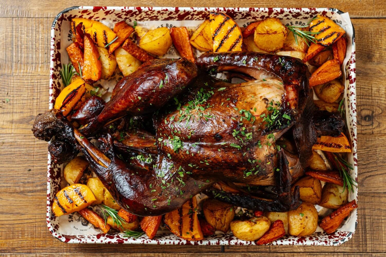 Целая индейка с мятым картофелем и цитрусовым сливочным маслом — предзаказ за 48 часов