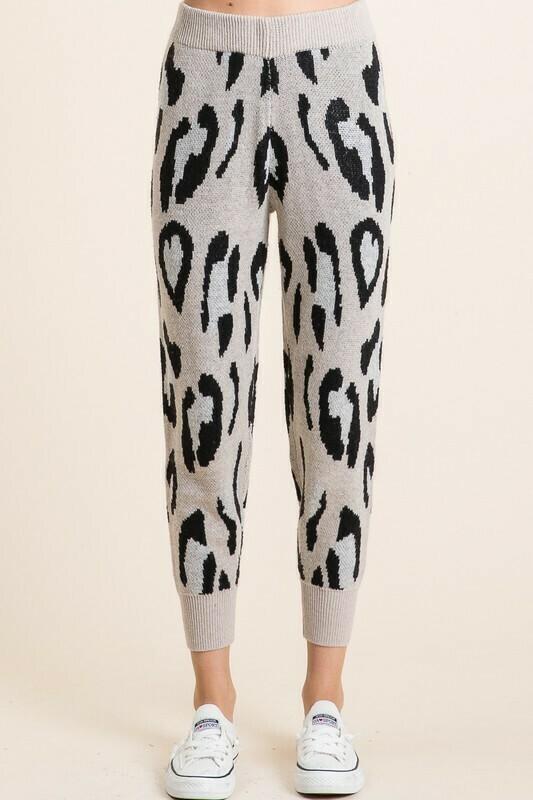 LEOPARD SWEATER PANTS