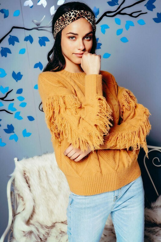 CHUNKY CABLE KNIT FRINGED SLEEVES SWEATER