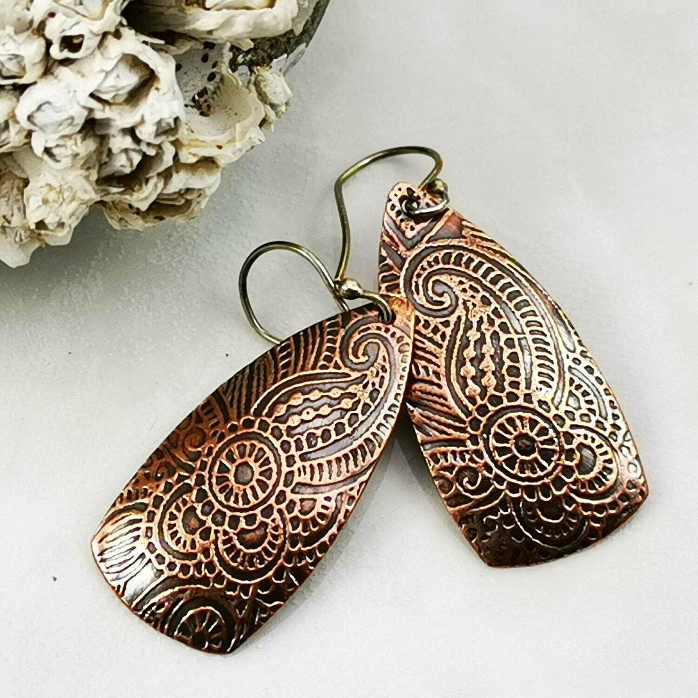 Lovely Swirl Pattern Textured Copper Earrings