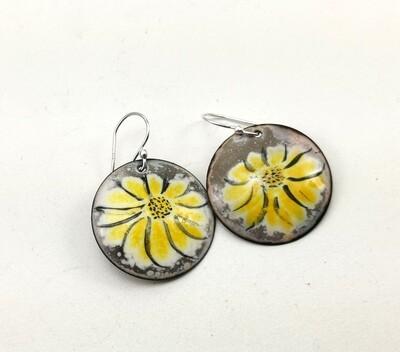 Flower Enameled Jewelry, Gifts for Her, Enamel Earrings, Enamel Circle, Enamel Copper, Yellow White Gray Enamel, Torch Enameled, Copper Earrings, Round Earrings