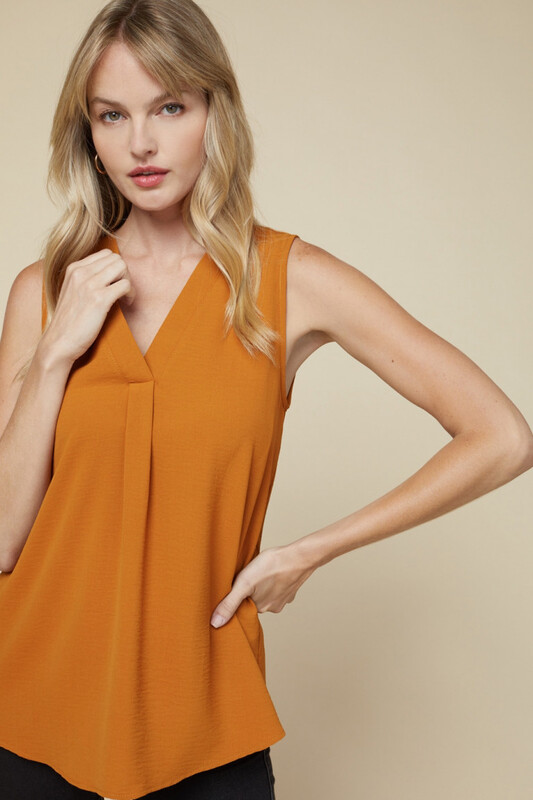 Top - Essential Sleeveless V-Neck