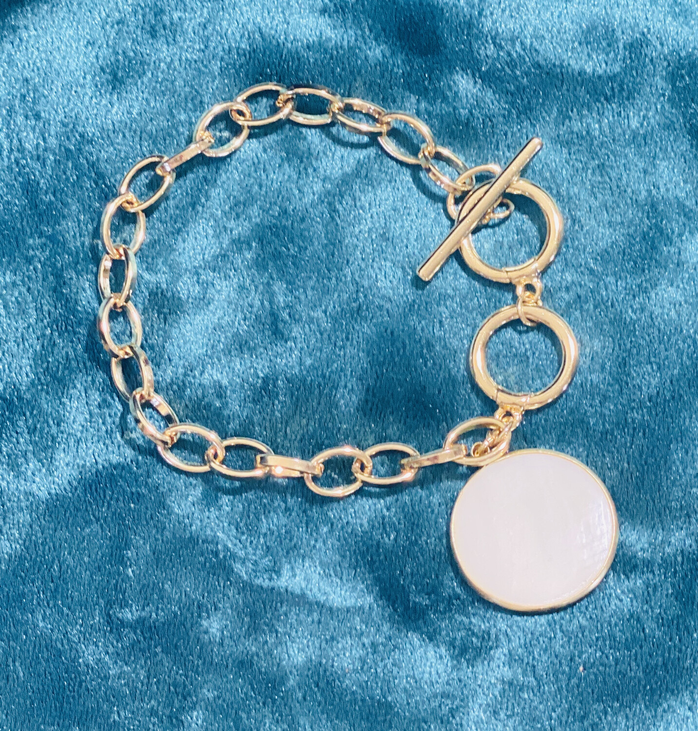 Bracelet Toggle with Shell Pendant