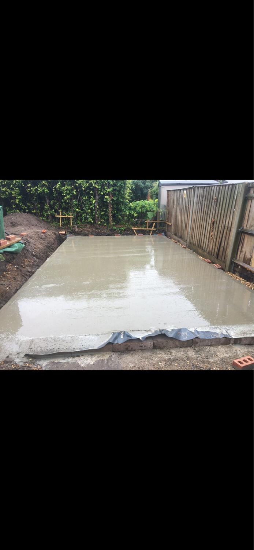 Milan Garage Concrete Base