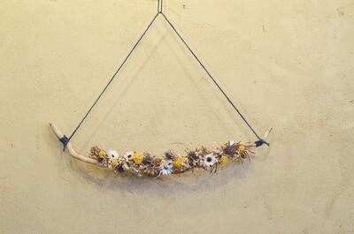 Mobile de fleurs séchées