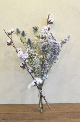 Bouquet de fleurs séchées tons bleus