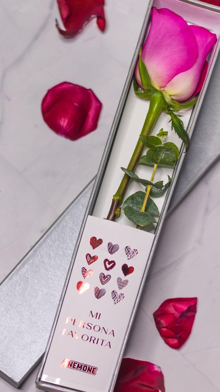 Caja con flor