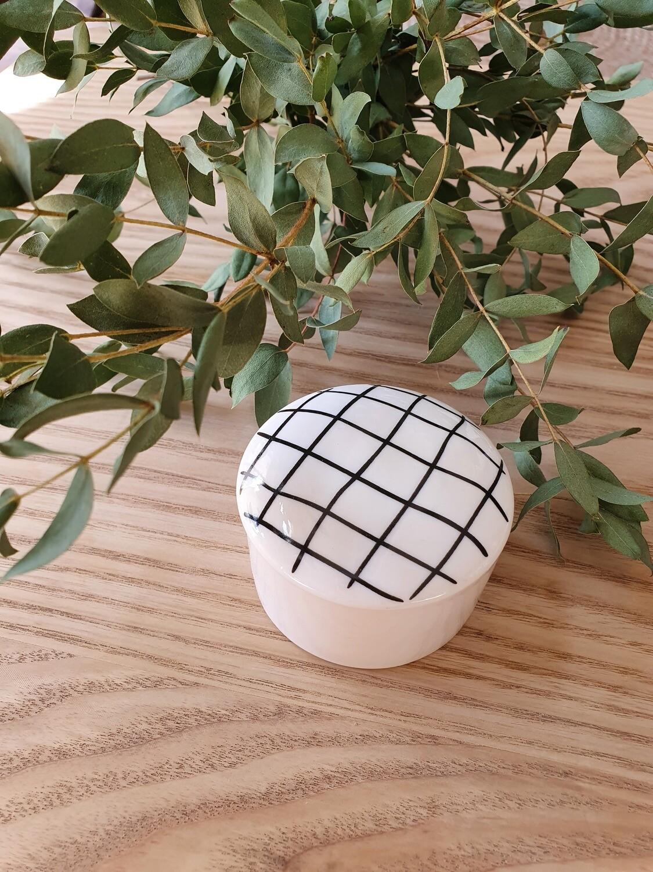 Petite boîte en céramique