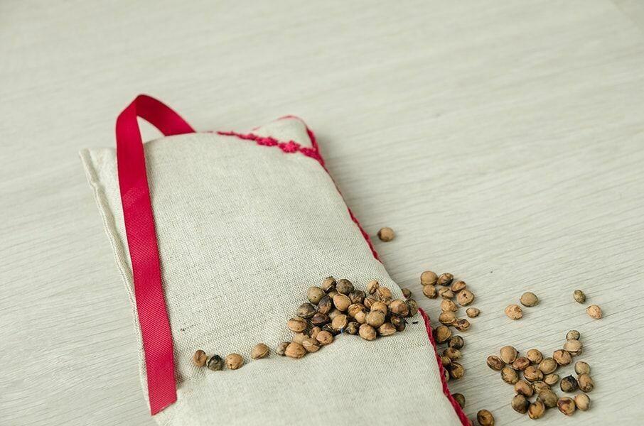 Воротник-грелка с вишнёвой косточкой