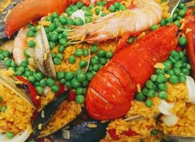 FAMILY Seafood Paella