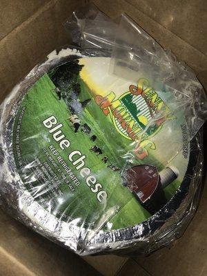 Cheese Blue Wheel 1x6lb AVERAGE SMF Glbfoods