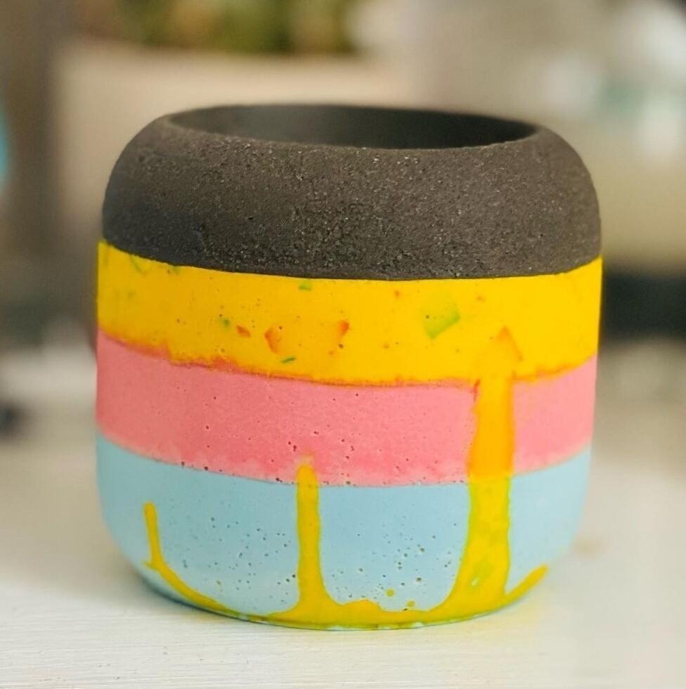 Mixed Coloured Pot