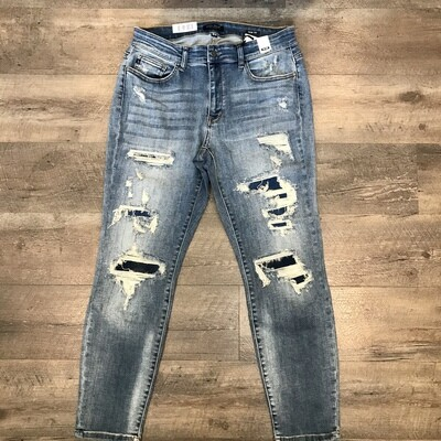 Judy Blue Plus Destroyed Patched Slim Jeans
