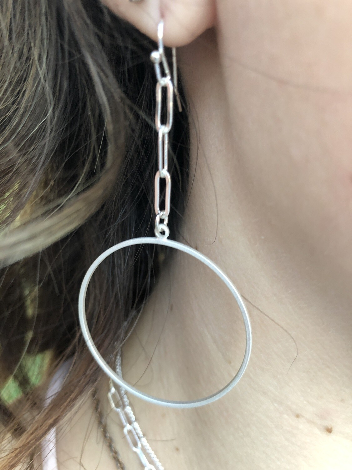 """WH Chain with Circle Drop 2.5"""" Earring"""