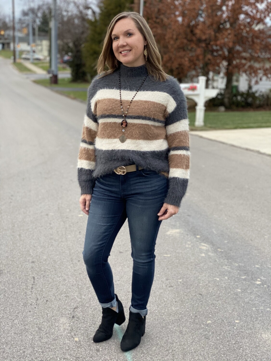 Eesome Color Block Mock Neck Sweater