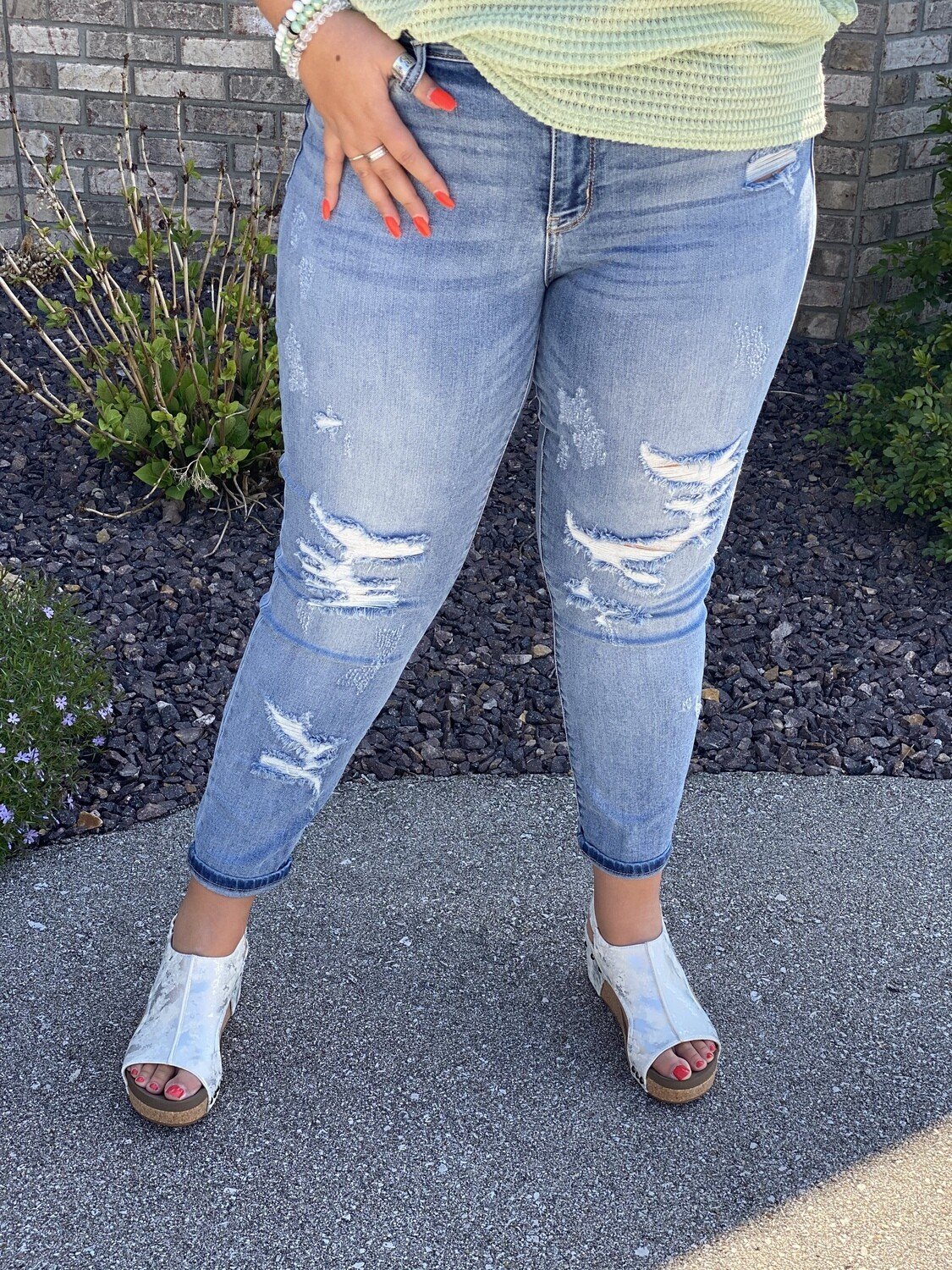 Judy Blue Plus Mid Rise Distressed Boyfriend Jeans