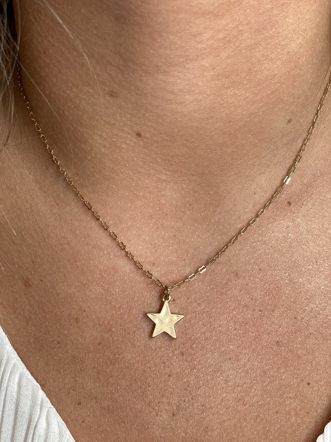 WH Matte Star Necklace