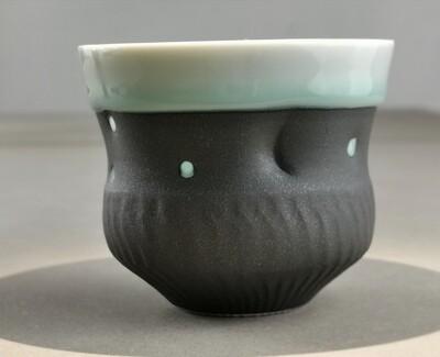 Becher Porzellan  Höhe 7,5 cm                            Durchm.  9cm