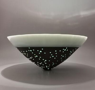 Gefäßform, Einzelstück, Porzellan Höhe 9,5 cm, Durchm. 22 cm