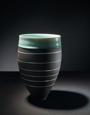 Gefäßform, Porzellan Einzelstück Höhe 50 cm, Durchm. 23 cm