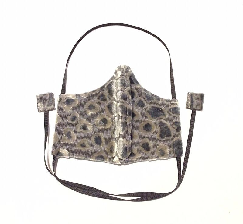 Gray 3D Leopard
