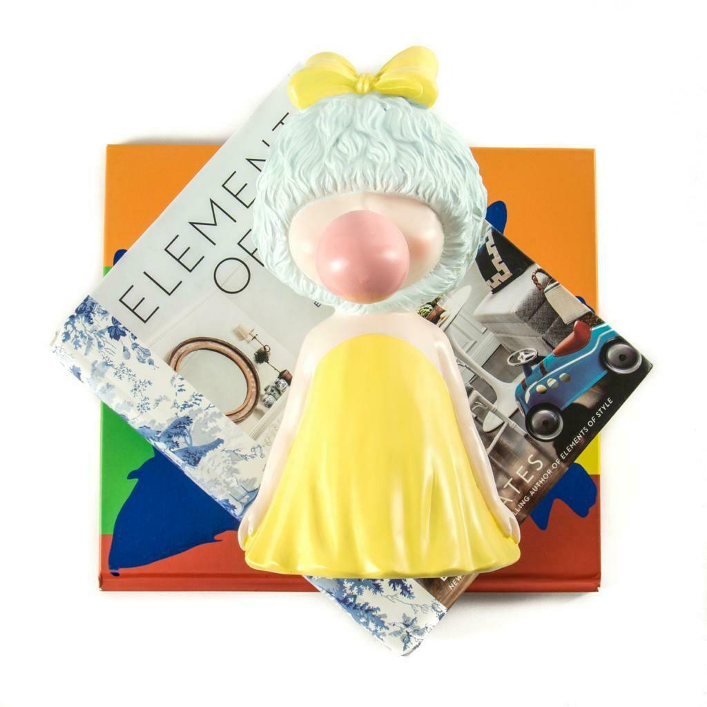 Yellow Princess Sculpture - Cool Ornaments