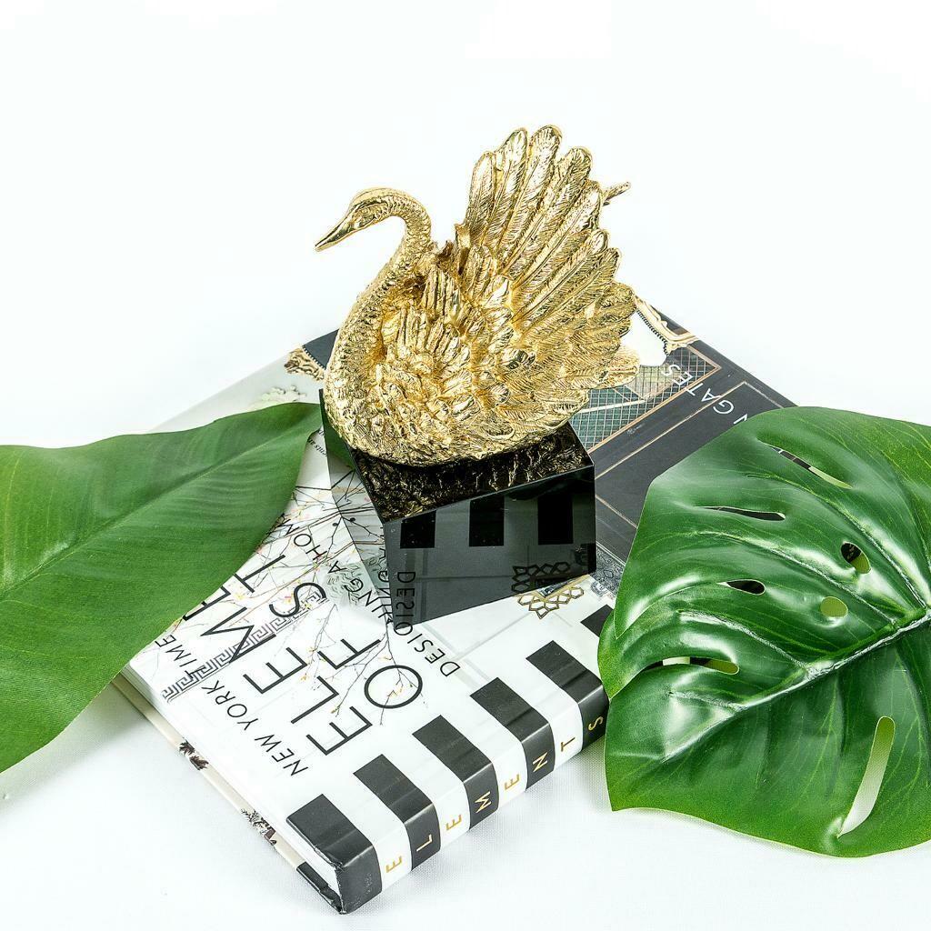 Cisne Sculpture - Cool Deluxe
